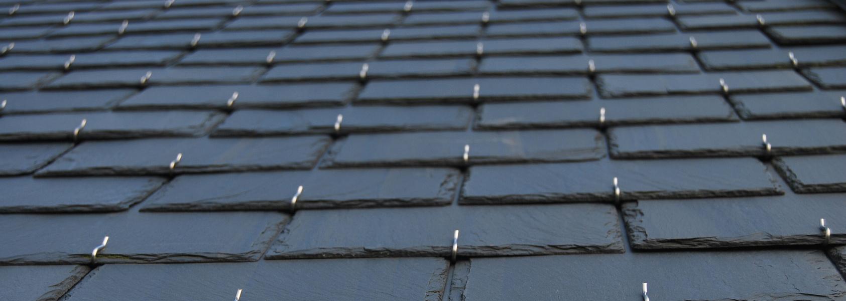 Toiture ardoise prix moyen au m2 avantages et inconv nients for Prix toiture ardoise naturelle m2