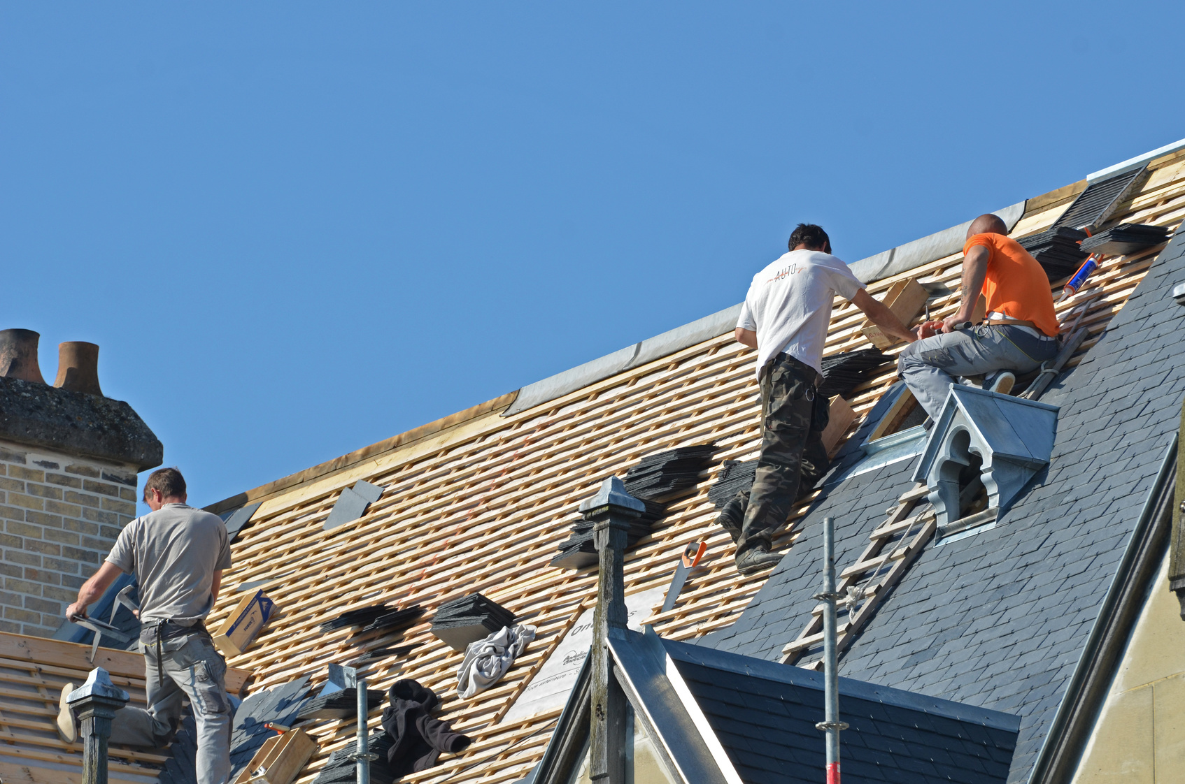 Comment Poser Des Ardoises toiture ardoise : prix moyen au m2 avantages et inconvénients