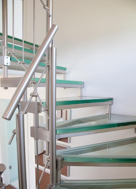 Prix et devis pour la pose d 39 un escalier m tallique inox for Prix escalier exterieur metal