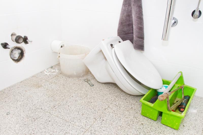 remplacement de wc prix moyen d 39 un plombier pour changer des wc. Black Bedroom Furniture Sets. Home Design Ideas
