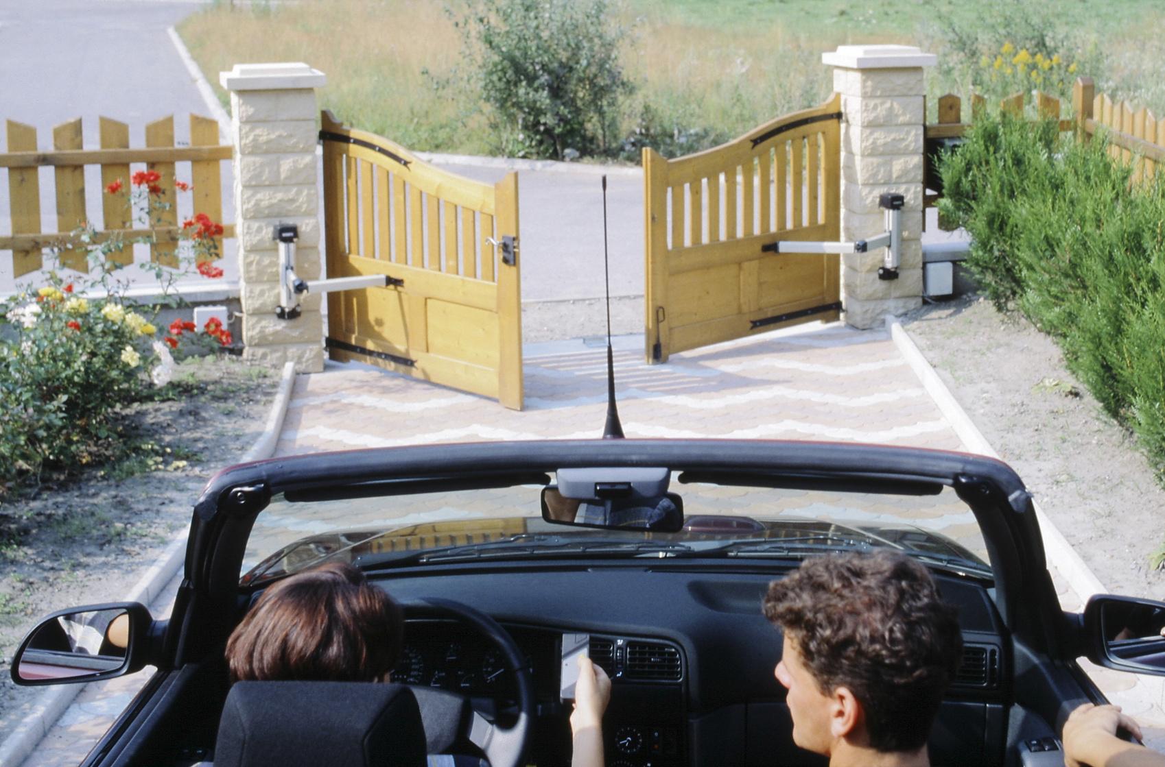 Prix d 39 un portail automatique motoris coulissant ou battant for Prix d un portail coulissant