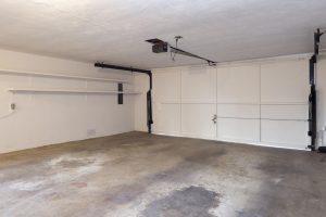 Dalle de béton brut pour garage
