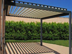 Une pergola bioclimatique pour couvrir votre terrasse