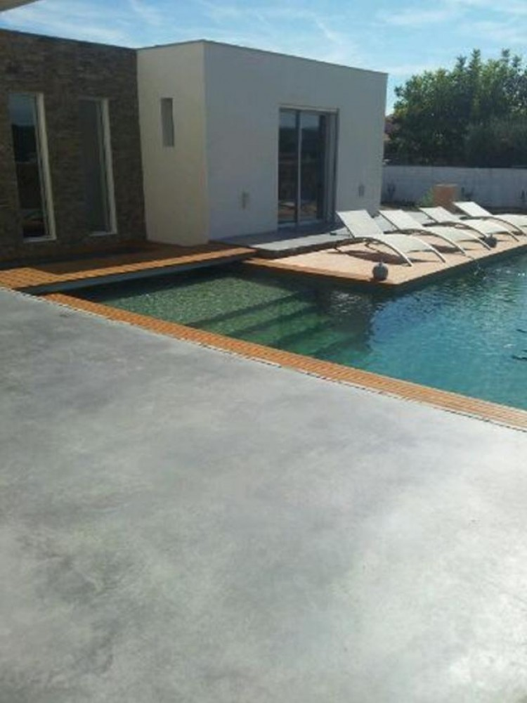 Carrelage design carrelage plage piscine moderne for Carrelage piscine
