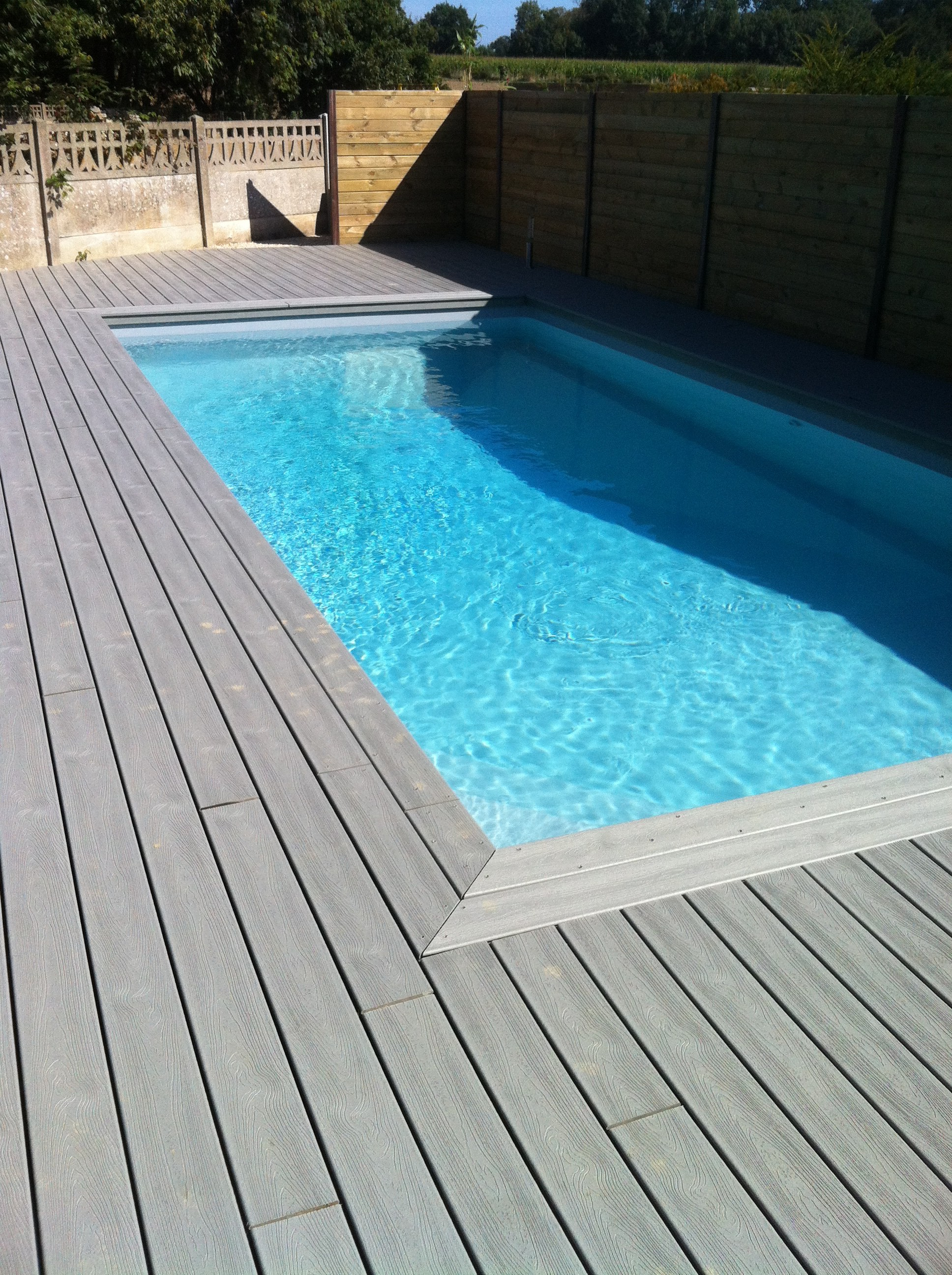 Piscine terrasse bois vacances arts guides voyages - Photo terrasse piscine ...