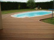 terrasse lame bois piscine