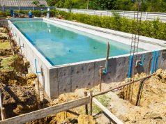 piscine béton maconnée