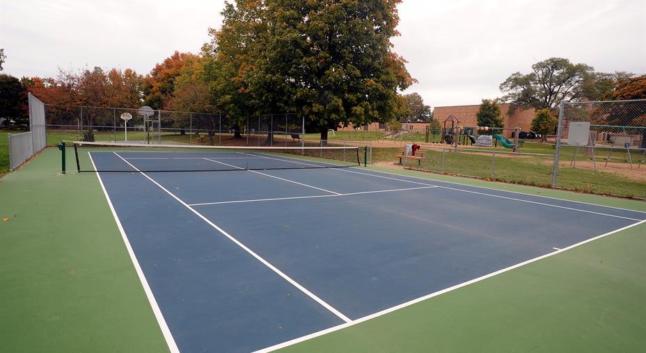 Construction d\'un court de tennis en béton : prix moyen et avantages
