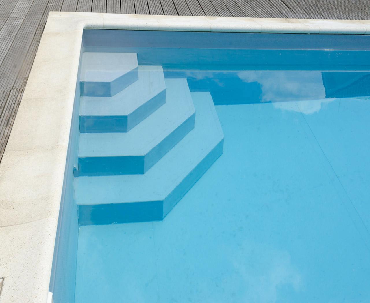 peinture de piscine laquelle choisir et quel budget pr voir au m2. Black Bedroom Furniture Sets. Home Design Ideas
