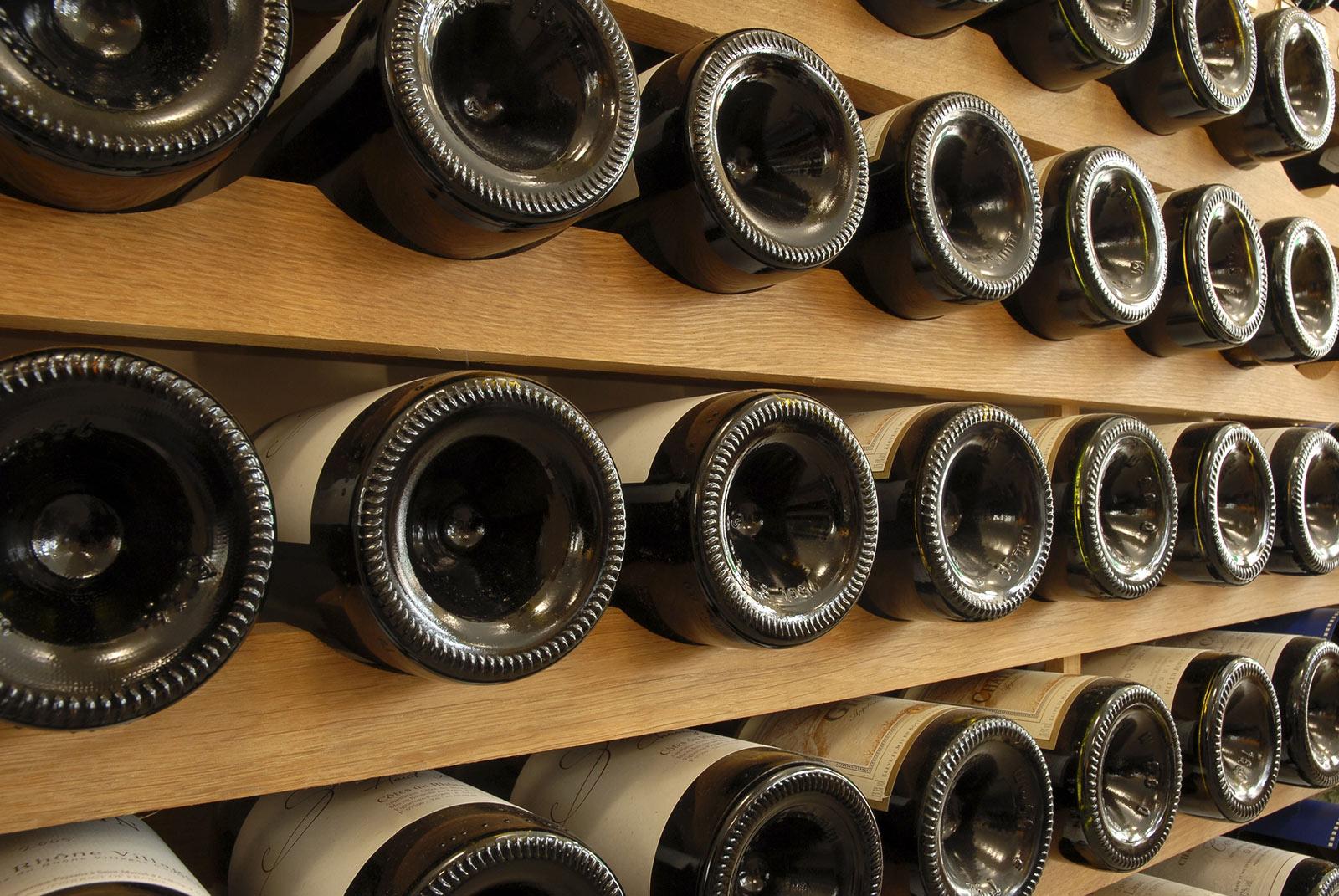 Comment Ranger Son Armoire À Vin installation de cave à vin enterrée : coût moyen et prix de