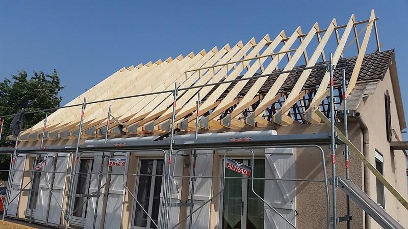 Agrandissement de toit : solutions, prix moyen au m2 et démarches