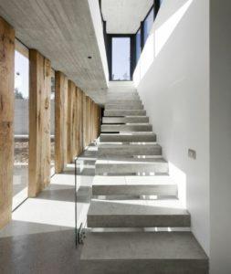escalier suspendu beton
